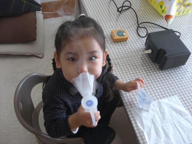 小児喘息の子ども
