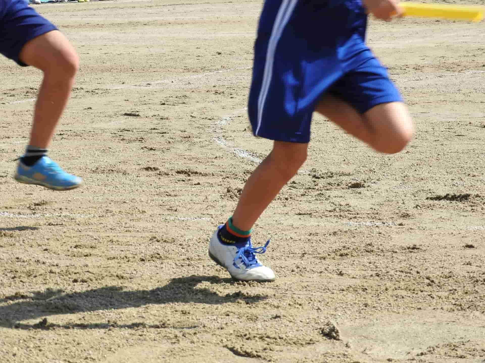 運動する子ども
