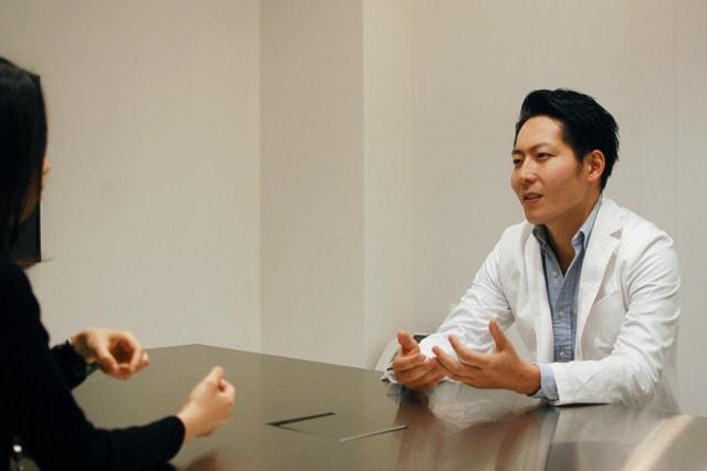 真面目にドライアイの治療法について語る眞鍋先生